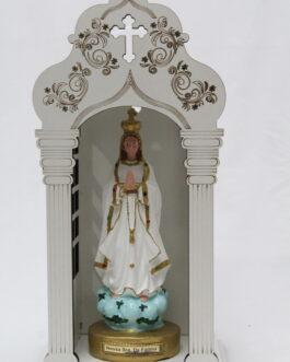 Capela branca mdf 34 cm com imagem Nossa Senhora de Fátima em borracha