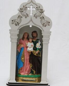 Capela branca mdf 34 cm com imagem Sagrada Família em borracha
