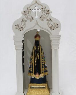 Capela branca mdf 34 cm com imagem Nossa Senhora Aparecida em borracha